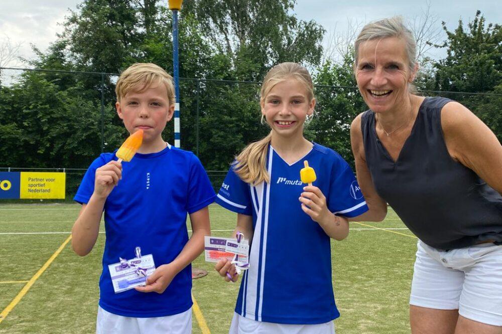 De winnaars bij de E-jeugd: Noah en Mila (foto Jona Taal)